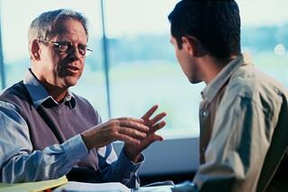 attorney_explaining_chapter_11_bankruptcy