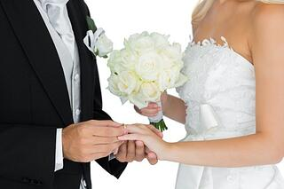 How-does-marriage-affect-credit-score