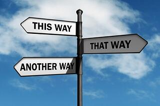 signs_pointing_different_directions