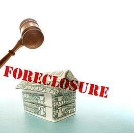 foreclosure_sign_with_gavel
