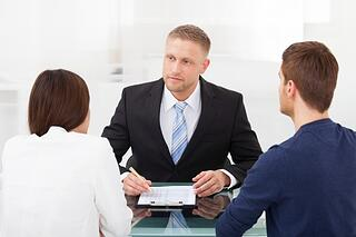 bankruptcy_attorney_with_clients