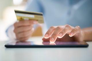 person_managing_credit_card_debt