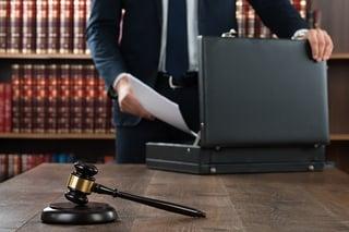abogado certificado en Juicio Civil