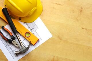 contractor_tools_and_yellow_hat