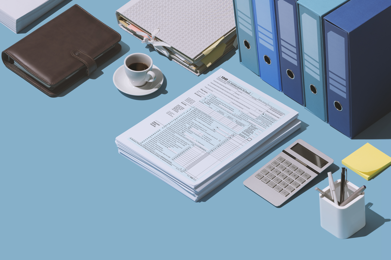 filing-the-1040-tax-return-form-UP2FQ9L