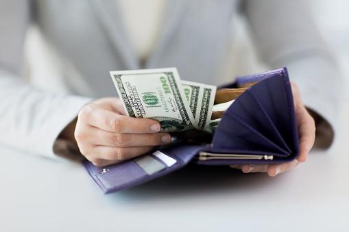 woman paying through bankruptcy cramdown